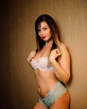 Thanya escort in Savannah
