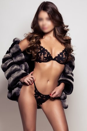 Marie-albane escorts services in Lyons