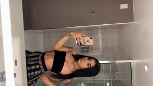 Crysta incall escorts in Searcy Arkansas